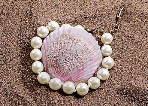 coquille-de-coque-et-perles-17293614